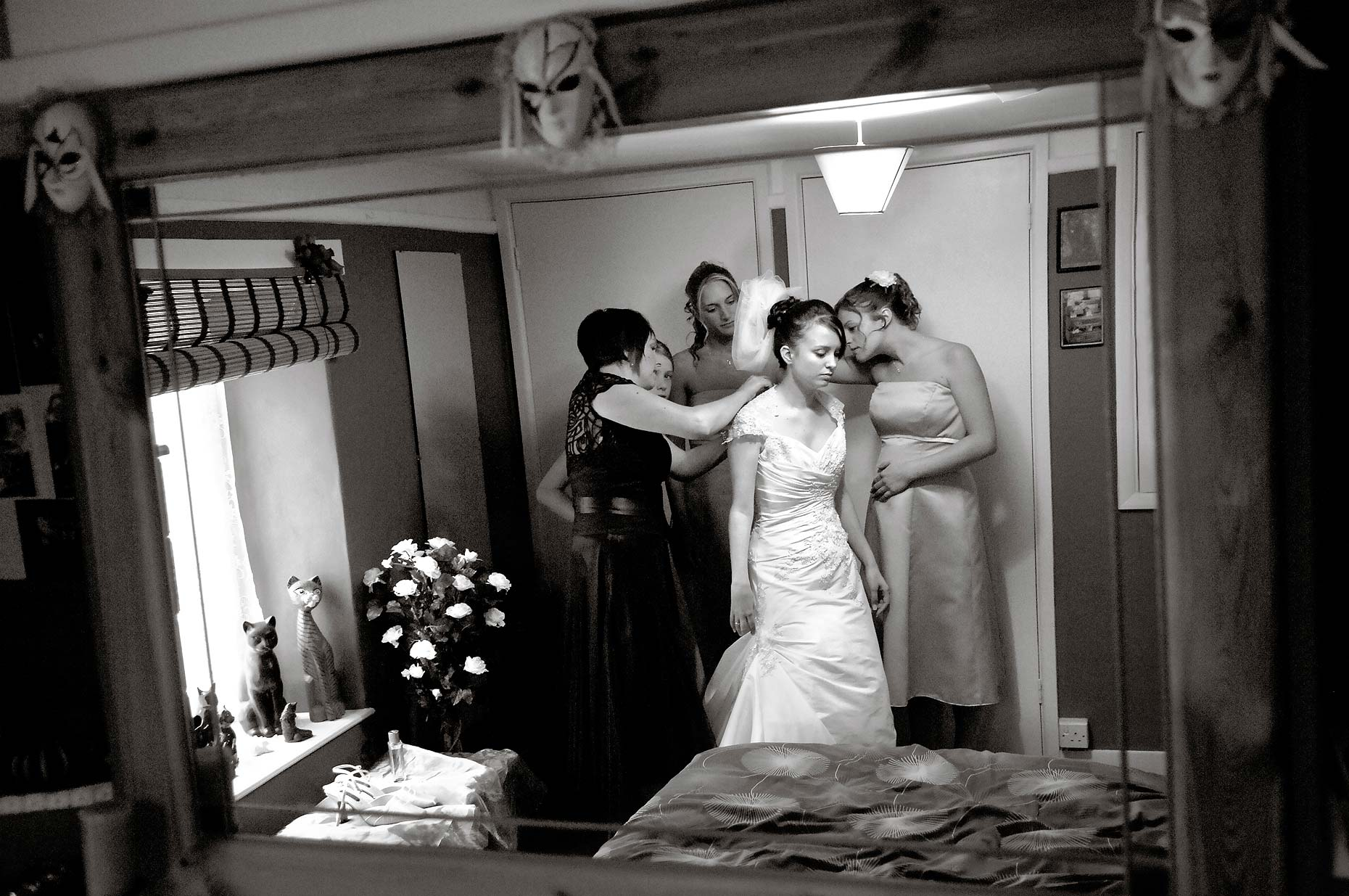 0016-Bride-Preparations-Bridport-Dorset-Wedding.jpg