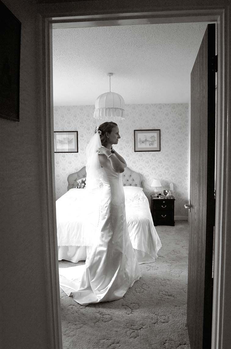 0084-Bridal-Preparations-Tintinhull-Yeovil-Wedding.jpg