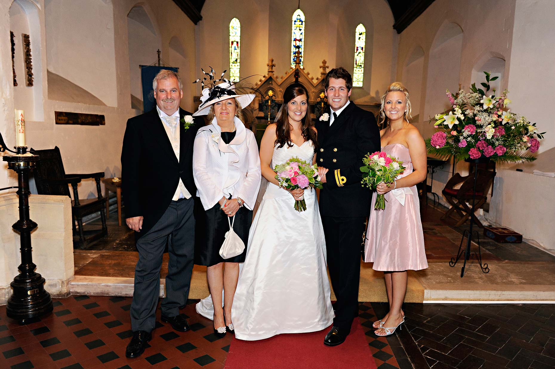 0128-Group-Shot-St-James-Church-Wedding-Ludgershall-Wedding-Wiltshire.jpg