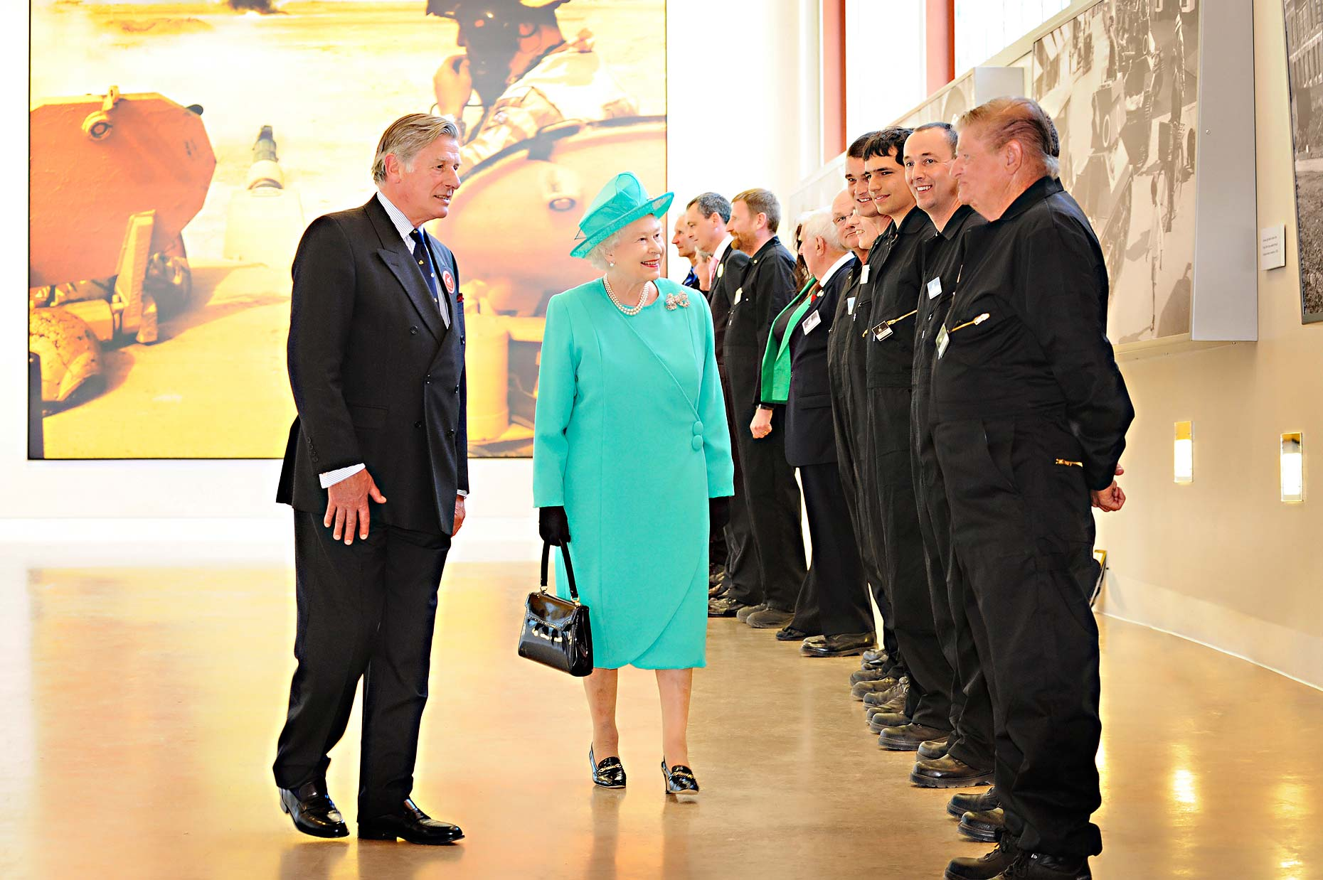 0954 The-Queen-at-Bovington-Tank-Museum-PR-and-Corporate.jpg